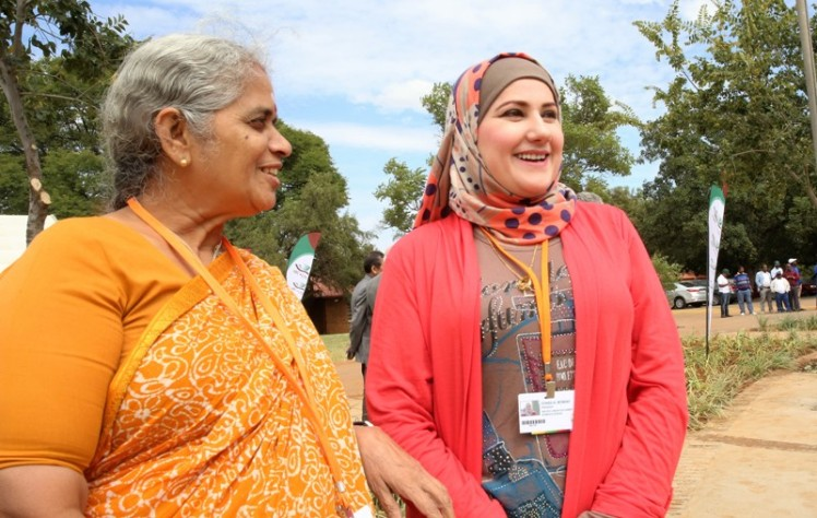 Ms Almomany and Ms Swaminathan at the GCARD3, South Africa (1)